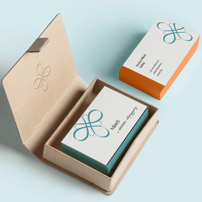 Business cards for Minett e-commerce shop in a card box